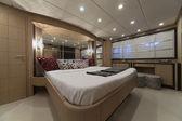 意大利、 豪华游艇、 主卧室 — 图库照片