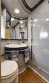 Italy, Naples, Aqua 54' luxury yacht, guests bathroom — Stock Photo