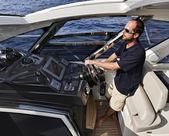 Francja, korsyka, azimut atlantis 50 luksusowy jacht, jazdy consolle — Zdjęcie stockowe