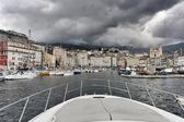 Francia, córcega, bastia, vista del puerto y la ciudad — Foto de Stock