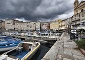 Frankreich, korsika, bastia, blick auf den hafen und die stadt — Stockfoto