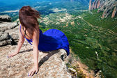 Girl and landscape — Stock Photo