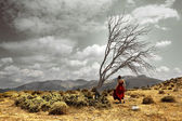 Landscape with girl and tree — Stock Photo