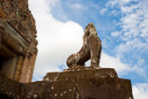 Guardian Lions At Pre Rup, Cambodia — Stock Photo