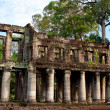 Overgrown Khmer Ruin- Angkor Wat, Cambodia. — Stock Photo