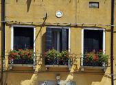 Ventanas en Venecia — Stock Photo