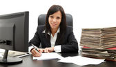Business woman at desk — Стоковое фото