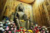 Statue de bouddha en bronze antique en thaïlande — Photo