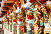 Dragon decoratie op pijler in chinese tempel — Stockfoto