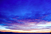 Schöne twilight sonnenaufgang himmel — Stockfoto