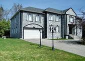 Thornhill Very nice grey house 2010 — Stock Photo