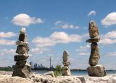 Toronto Lake Three stone statue 2008 — Stock Photo