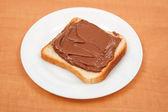 Pain avec crème au chocolat — Photo