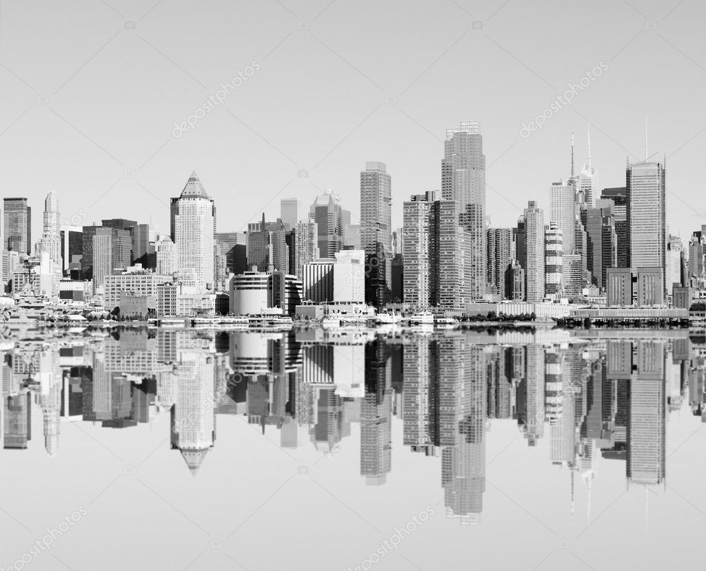 Photo new york city skyline over the hudson river — Stock Photo #3958989