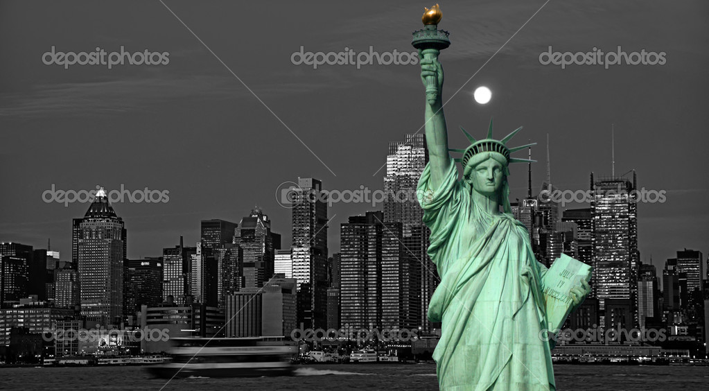 Photo new york city skyline statue liberty tourism concept — Stock Photo #4191947