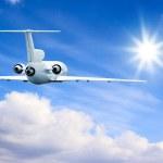 voando no céu alto — Foto Stock