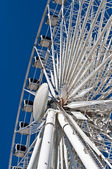 Large White Ferris Wheel with Enclosed Cars — Stock Photo