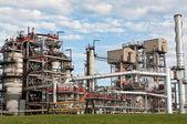 Impianto petrolchimico raffineria — Foto Stock
