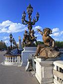 Alexander III Bridge with sculptures and lanterns in Paris, Fra — Stock Photo