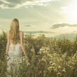 Beautiful girl in field — Stock Photo #4084122