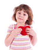 маленькая девочка с сердцем — Стоковое фото