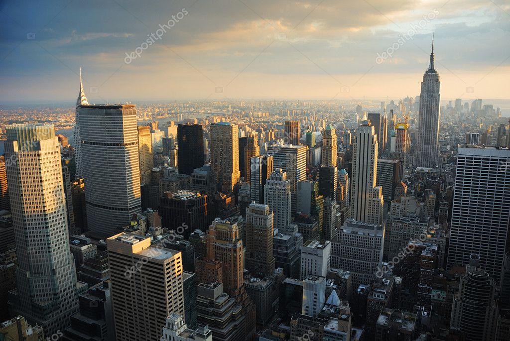 New York City Manhattan skyline aerial view at sunset. — Stock Photo #3946057