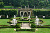Fountains in garden — Stockfoto