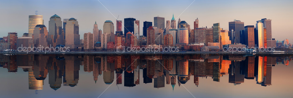 Manhattan Panorama, New York City at sunset with reflection — Stock Photo #4001162