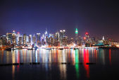 Skyline van new york nachts — Stockfoto