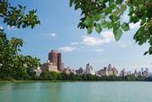 Parque central de nueva york manhattan skyline — Foto de Stock