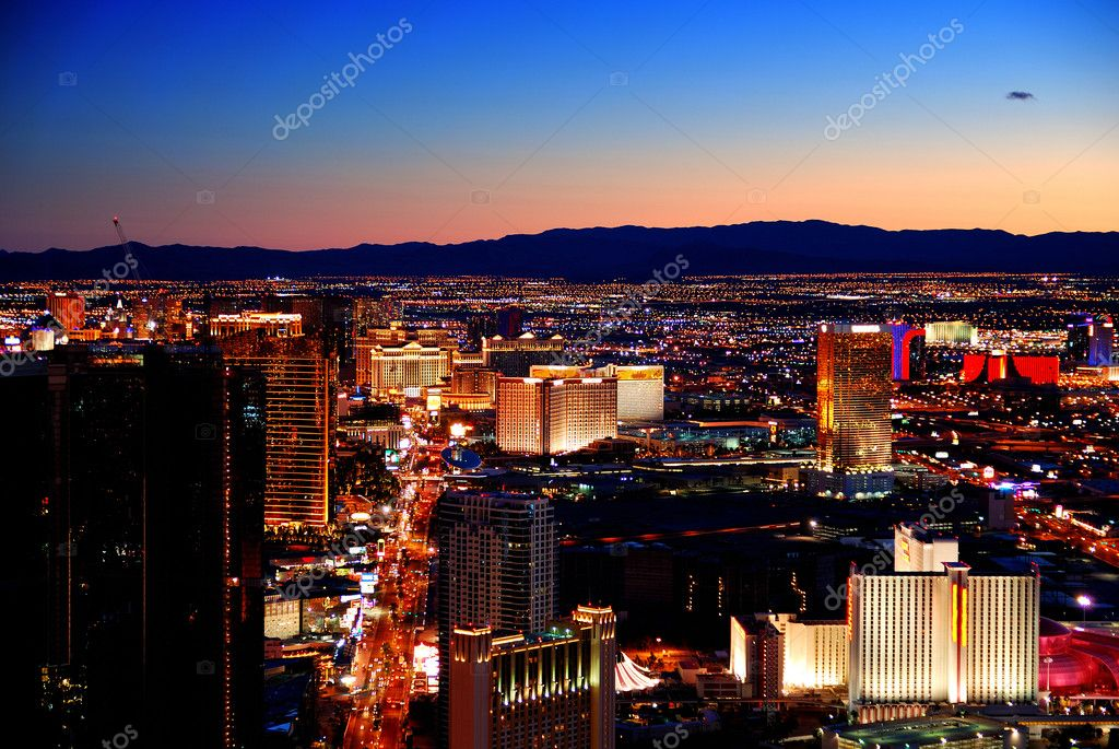 LAS VEGAS - MAR 4: Vegas Strip, 3.8 mile stretch featured with world class hotels and casino, aerial night view on March 4, 2010 in Las Vegas, Nevada.  Foto de Stock   #4025743