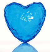 Corazón de agua. símbolo de la vida. — Foto de Stock
