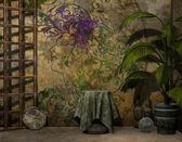 Pared del fondo decorado y mesa — Foto de Stock