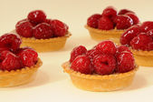 Cake raspberry — Stock Photo