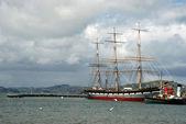 Ship on the beach of San Francisco — Stock Photo