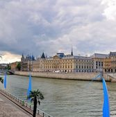 Day view of the Conciergerie — Stock Photo
