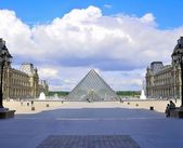 Louvre (Paris) — Stock Photo