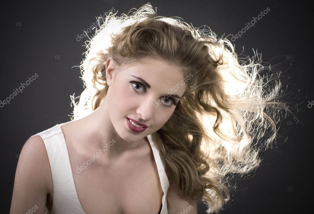 Portrait beautiful young long-haired woman — Stock Photo #4419237