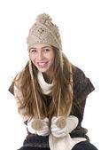 Niña sonriente en el estilo de invierno sobre un fondo blanco — Foto de Stock
