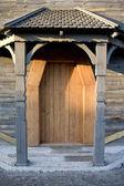 Old wooden door — 图库照片