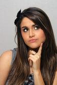 Krásná mladá brunetka, headshot (7) — Stock fotografie