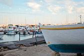 Boat near harbor — Stockfoto
