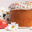 Easter cake and white flowers — Stock Photo #5138189