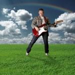 fille hippie avec la guitare en plein air — Photo