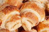 Kakor i form av små croissant — Stockfoto