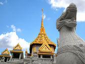 Wat Traimit Bangkok Thailand — Stock Photo