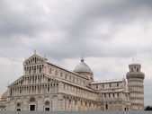 The leaning tower of Pisa with cloud — Stock Photo