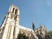 Notre Dame with blue sky in Paris (Horizontal) — Stock Photo