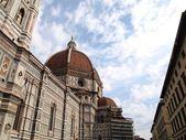 Cúpula de la catedral de florencia, italia — Foto de Stock
