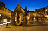 Night view of Praca de S.Tiago in Guimaraes — Стоковое фото